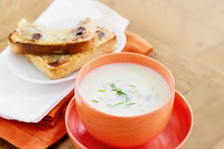 Creamy cauliflower soup with cheddar and chutney toasts
