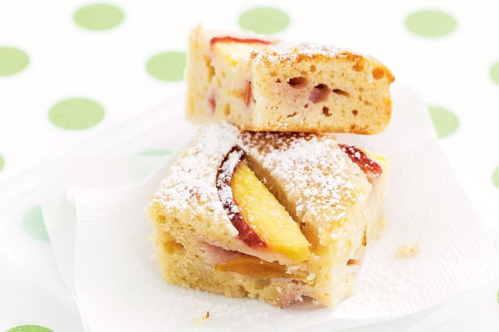 Peach & yoghurt slice