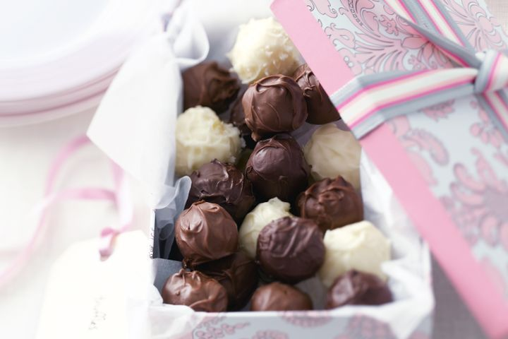Step-by-step choc truffles