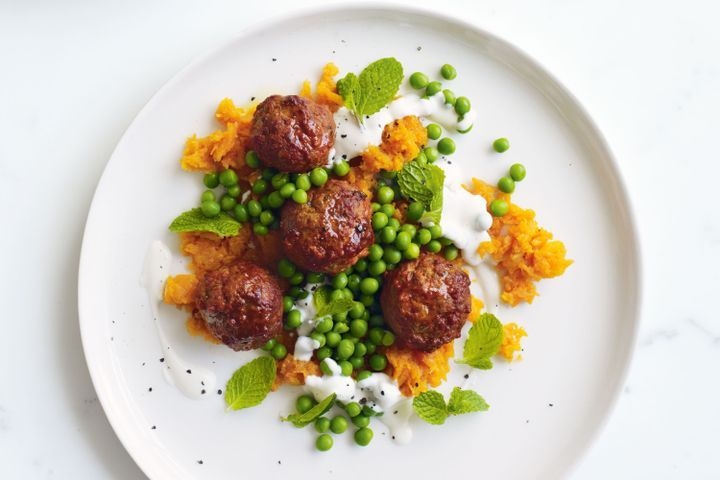 Tandoori meatballs with spiced carrot mash