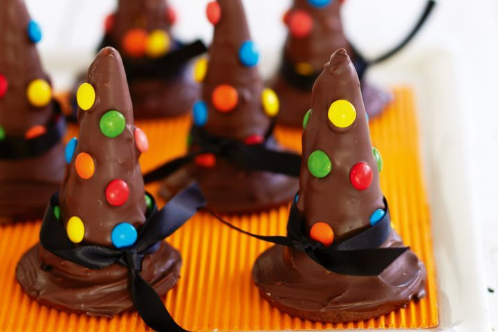 Witch's hat cookies